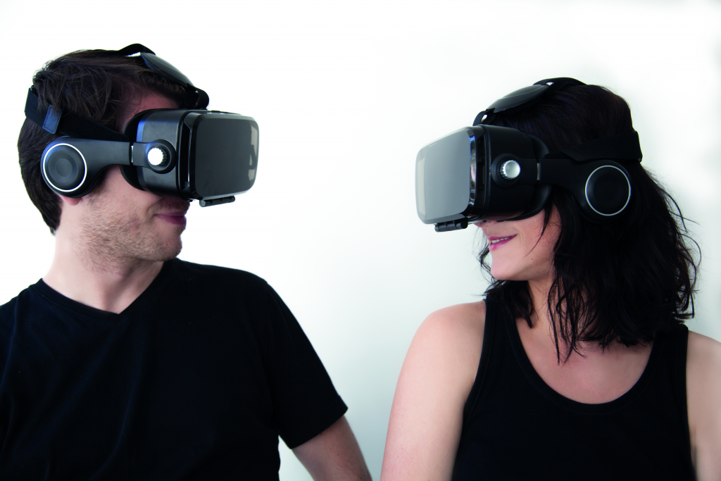 10-things-you-need-to-know-about-virtual-reality-headsets