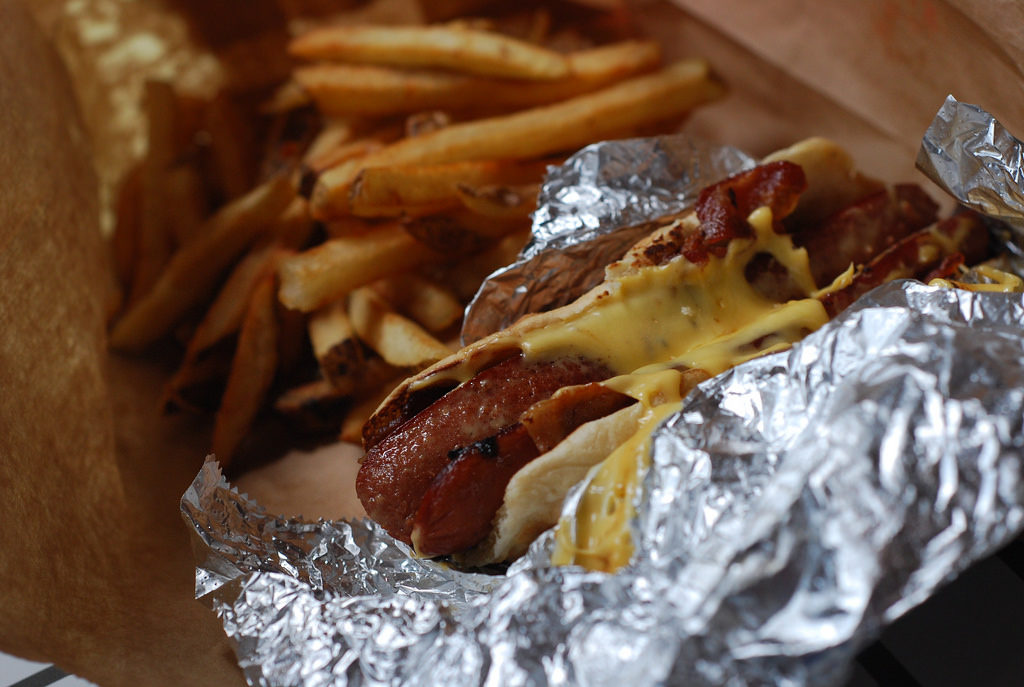 bacon-cheese-dog-milkshake-five-guys