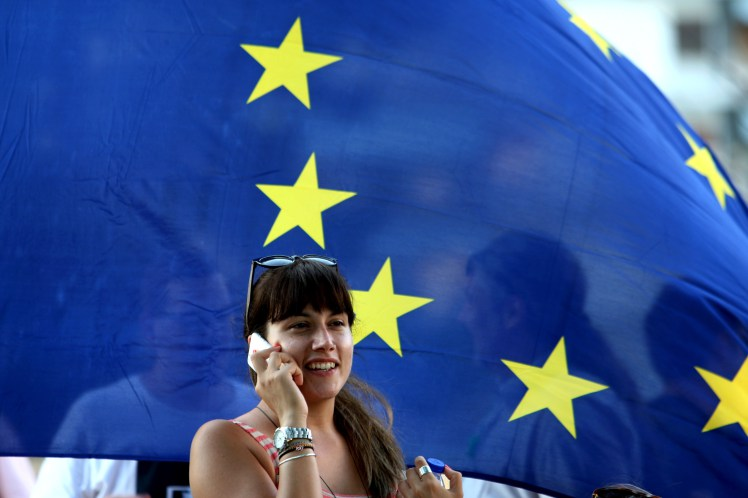 How The New EU Roaming Rules Will Affect You This Summer